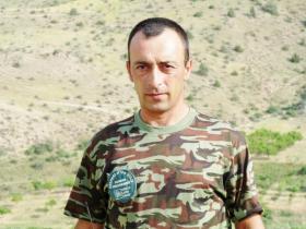 Gor Hovhannisyan, head and shoulders.